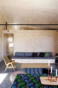 Camping Lite: A Plywood Camp House in Scarborough, South Africa – Remodelista - Modern Plywood Furniture, Furniture Design, Chair Design, Eames Furniture, Modern Furniture, Plywood House, Bungalow, Thing 1, Lounge Seating