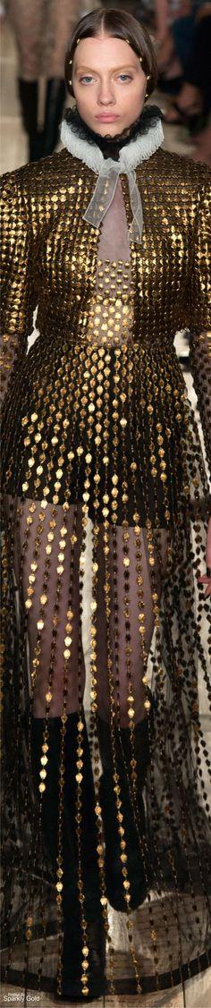 AMAZXING VALENTINO COUTURE | Valentino Fall 2016 Couture | www.bocadolobo.com/ #luxurybrands #luxurylifestyle #exclusive