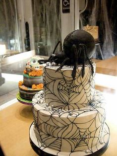 Cool Halloween cakes - Great detail on the spider web! #sugarcraft #cakedecorating