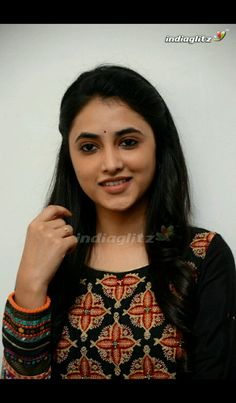 Hot Actresses, Indian Actresses, Gentleman Movie, Allu Arjun Images, Bengali Bridal Makeup, Sari Dress, Cute Girl Photo, Beauty Full Girl, Actress Photos