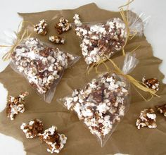 Dollhouse Bake Shoppe: Gourmet Cinnamon Roll Popcorn