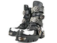 a7a82eee0e45b5 (Japan) White Black Boots. Christian Brown