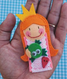 Princess felt brooch. By: charramanguina. Cutest!!!!!!!!