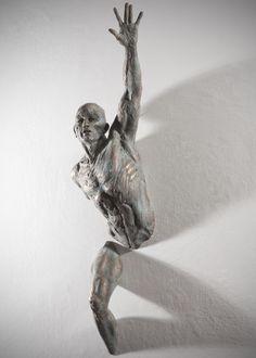 Matteo Pugliese - Escultura fragmentada                                                                                                                                                      Más