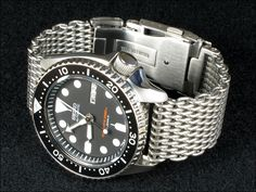 Seiko SKX007 on shark mesh bracelet