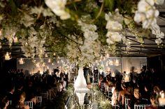 Teto de velas e flores. Decoração: André Bonesso | Foto: Rejane Wolff