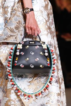 Ladies bags accessories Fendi Spring 2017 Ready-to-Wear collection by Silvia Venturini Fendi and Karl Lagerfeld Hermes Handbags, Fashion Handbags, Fashion Bags, Fashion Show, Women's Fashion, Milan Fashion, Designer Handbags, Spring Fashion, Fendi Designer