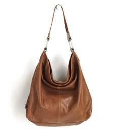 I am always thrilled to talk about homegrown Oregon companies! Today I am sharing a few of my favorite bags from the new fall collection at Ellington Handbags. Based in Oregon since the Ellington is well known for creating bags that are beautiful, … Best Handbags, Hobo Handbags, Purses And Handbags, Ellington Handbags, Hobo Purses, Oxford Brogues, Cowgirl Chic, Sewing Leather, One Bag