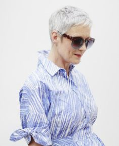Gorgeous Hairstyles for Older Women: It Takes Guts to Pull of an Edgy Short Cut