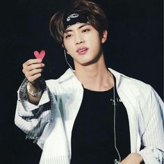 Jin the worldwide handsome guy