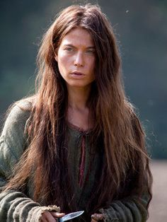 Gwenda (played by Nora von Waldstätten) in the World Without End miniseries.  She takes care of her family at all costs, knows her rights, and will fight to the death for justice.