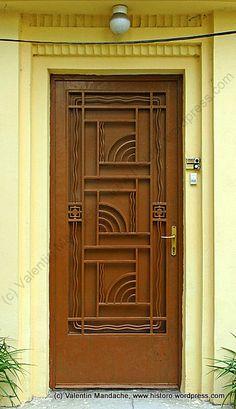 Ocean waves Art Deco style doorway, Bucharest