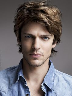 Pictures : Shag Hairstyles for Men - Mens Short Shag Hairstyle