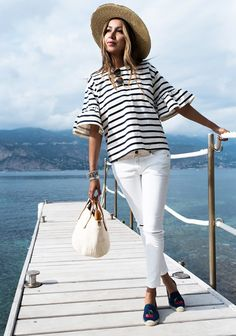 Confused about what to wear with white jeans? So, here are a few white jeans outfit ideas for you to take inspiration from. How To Wear White Jeans, White Jeans Outfit, White Pants, Casual Outfits, Cute Outfits, Fashion Outfits, Work Outfits, Casual Dresses, Spring Summer Fashion