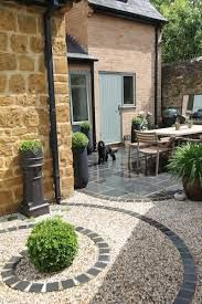 Get tips from professional landscape designers on how to design a small patio. S… Sponsored Sponsored Get tips from professional landscape designers on how to design a small patio. See pictures of small patios ideas for your own patio design. Front Gardens, Small Gardens, Outdoor Gardens, Small Patio Design, Garden Paving, Gravel Patio, Slate Garden, Diy Garden, Garden Patio Designs
