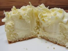 Cupcakeables!: Vanilla White Chocolate Overload Cupcakes - An all vanilla cupcake with a vanilla white chocolate ganache center. Very Vanilla!