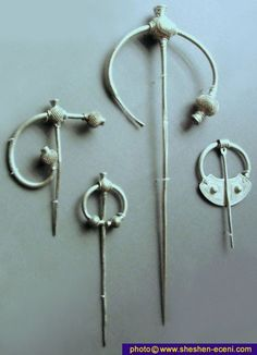 century Celtic dress pin brooches (cloak fasteners) from Ireland. These items of silver jewellery were part of the Cuerdale hoard; the loot or bounty of Viking raiders. Medieval Jewelry, Viking Jewelry, Ancient Jewelry, Metal Jewelry, Silver Jewellery, Antique Jewelry, Viking Dress, Celtic Dress, Viking People
