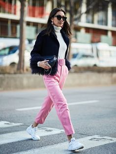 New York Fashion Week Street Style February 2018  Street style, street fashion, best street style, OOTD, OOTD Inspo, street style stalking, outfit ideas, what to wear now, Fashion Bloggers, Style, Seasonal Style, Outfit Inspiration, Trends, Looks, Outfits.