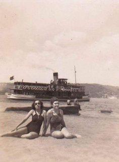Bebek'te deniz keyfi (1940'lar) #istanbul #istanlook #nostalji #birzamanlar