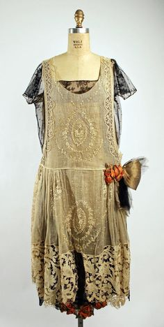 Boué Soeurs (French) Dress, Evening 1920–25    Met...Check out Adorevintage if you like this...AMAZING stuff