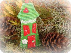 In & around my house : Felt christmas houses ! Christmas Houses, Felt Christmas, My House