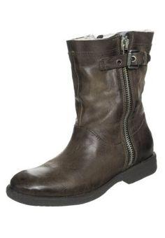 Boots - terra