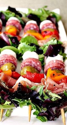 Antipasto Salad Kabobs, one of my most pinned recipes. Portable salad on a stick… Antipasto Salad Kabobs, one of my most pinned recipes. Portable salad on a stick…awesome party food! Diy Party Food, Snacks Für Party, Appetizers For Party, Party Ideas, Diy Food, Lunch Party Foods, Healthy Party Foods, Cheap Party Food, Individual Appetizers