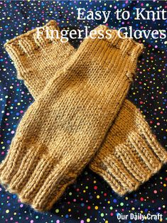 Free knitting pattern: Sweet, Simple Knit Fingerless Gloves by Our Daily Craft Easy Crafts To Sell, Easy Paper Crafts, Diy Crafts, Diy Wedding Reception, Diy Wedding Backdrop, Fingerless Gloves Knitted, Knit Slippers, Knitting Patterns, Crochet Patterns