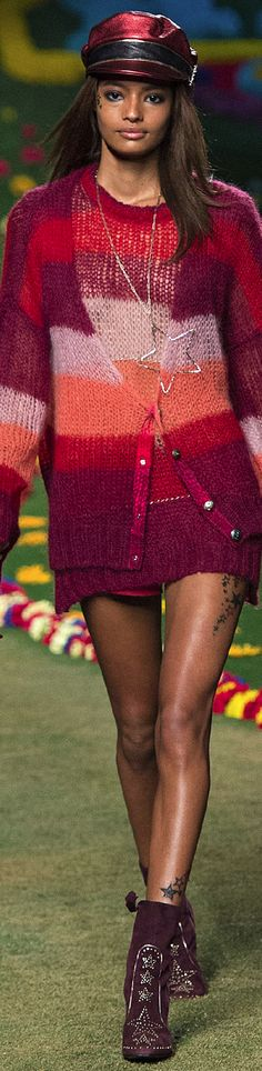 Tommy Hilfiger Spring 2015 Ready-to-Wear Knitwear Fashion, Crochet Fashion, 2016 Fashion Trends, Sweater Design, Striped Knit, Knitting Designs, Knit Dress, Couture, Inspiration