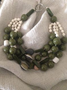 Beaded Jewelry Designs, Necklace Designs, Gemstone Jewelry, Handmade Necklaces, Jewelry Necklaces, Beaded Necklace, Beaded Bracelets, Jewelry Making Beads, Jewelry Crafts