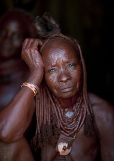 Old Muhimba Woman, Village Of Elola, Angola Eric Lafforgue, Inside North Korea, Half The Sky, Story People, Old Faces, Wise Women, French Photographers, People Of The World, 10 Year Old