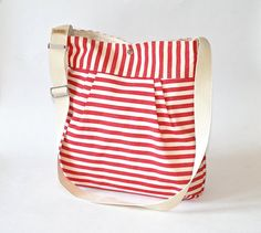 Stockholm Traditional red and cream French messenger ~ ikabags