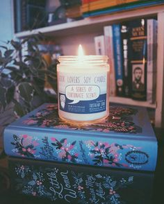 Our limited edition Series of Fortunate Scents candle will be available through the first week of February. Grab it now while you can and use coupon code HYGGE2017 to save 20% OFF through Mon 1/30. Scents: Lemon-y  Violet  Money   Lovely photo by our Rep Rachel @thenortherncurrent  Tag pics #frostbeardstudio to share.