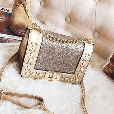 chain bags Gold Sequined Star Flap Twist Lock Shoulder Chain Bag with Pearls Unique Handbags, Gold Handbags, Purses And Handbags, Dolce & Gabbana, Ysl, Fashion Bags, Fashion Accessories, Name Brand Handbags, Fendi