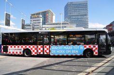 Hermes-bus met reclame