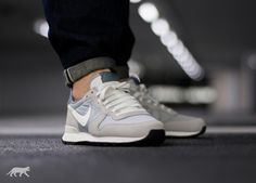 the best attitude 0df32 44803 ... Nike Internationalist (Wolf Grey  Sail - Sail) ...