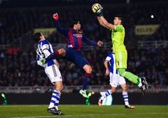Luis Suarez of FC Barcelona competes for the ball with the goalkeeper Geronimo Rulli of Real Sociedad during the La Liga match between Real Sociedad de Futbol and FC Barcelona at Estadio Anoeta on January 2015 in San Sebastian, Spain. Fc Barcelona, Manchester City, Manchester United, Association Football, Goalkeeper, Psg, Football Soccer, Real Madrid, My Dream
