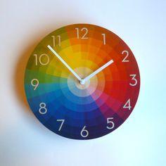 Objektivieren Sie Farbe Rad-Wanduhr mit Neutra Ziffern - mittlere Größe von ObjectifyHomeware auf Etsy https://www.etsy.com/de/listing/184574142/objektivieren-sie-farbe-rad-wanduhr-mit