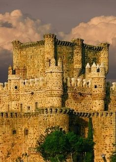 Castle of Guadamur in the Province of Toledo,Spain . It was built in the latter fifteenth century by Don Pedro Lopez de Ayala, a member of an illustrious of Toledo family and much beloved by John 11 of Castile Beautiful Places In The World, Places Around The World, The Places Youll Go, Places To Go, Around The Worlds, Chateau Medieval, Medieval Castle, Beautiful Castles, Beautiful Buildings