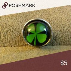 4 leaf clover glass snap button 4 leaf clover glass snap button for snap button jewelry.  Save on bundling multiple snap buttons.  1 for 5.00, 2 for 8.00. 3 for 12.00. 4 for 15.00 Jewelry