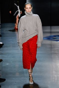 Prabal Gurung Fall 2018 Ready-to-Wear Fashion Show Collection: See the complete Prabal Gurung Fall 2018 Ready-to-Wear collection. Look 13 Knitwear Fashion, Knit Fashion, Sweater Fashion, Look Fashion, Autumn Fashion, Fashion 2018, Runway Fashion, Prabal Gurung, Vogue Russia