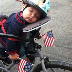 seggiolino bici anteriore poggia testa - Cerca con Google Baby Strollers, Children, Google, Baby Prams, Young Children, Boys, Kids, Prams, Strollers