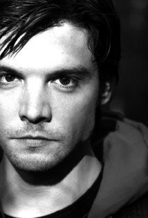 Andrew Lee Potts. Per IMDB born in Bradford UK and an amazing actor and director. Has starred in many things including Primeval and the mini series Alice.