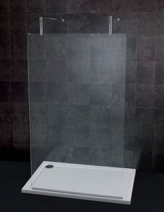 The low profile Fusion tray is the number one choice for bathroom installers with its discreet profile and flexibility to fit flat to floor or raised on legs