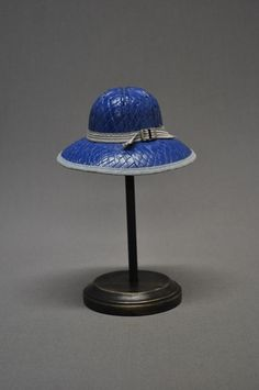 It s a tiny salesman sample hat (from Tennessee) only 8 tall with… e8930bec5866