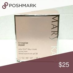 Timewise Repair volu-firm day cream New. Spf 30. Mary Kay Makeup
