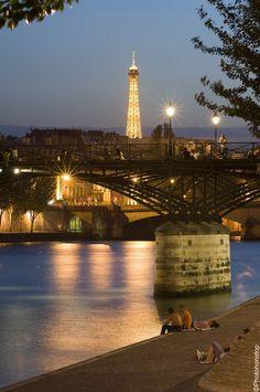 Paris au fil de l'eau : les ponts de Paris (The Pont des Arts, Paris, France)