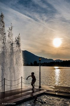 Salzkammergut, by oleh zavadsky Water Element, Lake View, Nature Photos, Glamping, Places To Visit, Spa, Country Roads, Travel, Outdoor