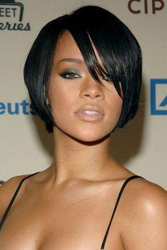 Rihanna - Her Hair Through the Years: Rihanna's Short Bob - October 2007