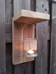 Cozy candles in the garden with these homemade lanterns, 10 great ideas! - DIY craft ideas Source by Coaster Furniture, Diy Furniture, Outdoor Projects, Wood Projects, Scaffolding Wood, Diy Holz, Wood Pallets, Outdoor Lighting, Wood Crafts